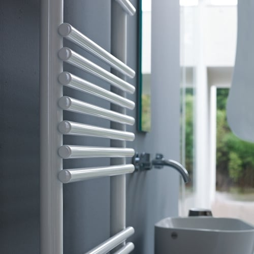 Tubes Basics 20 Towel Rail - 805 High 1