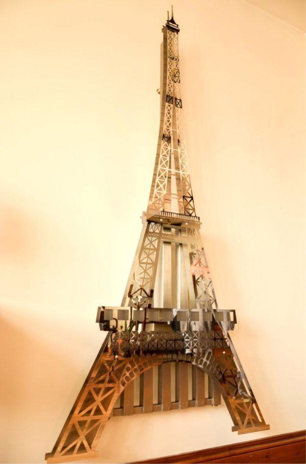 Eiffel Tower Radiator 7