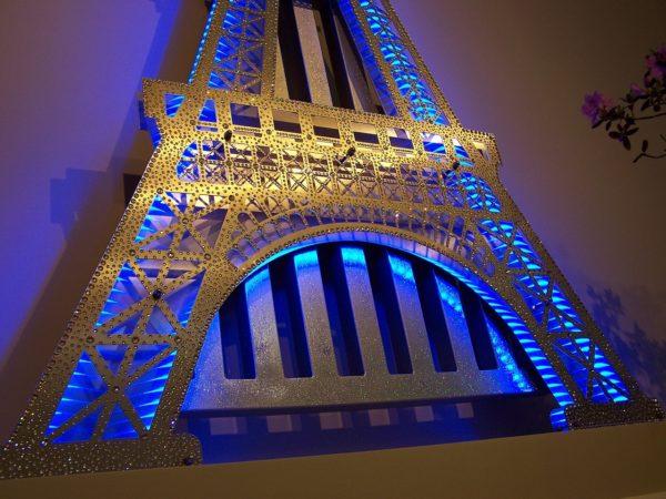 Eiffel Tower Radiator 10